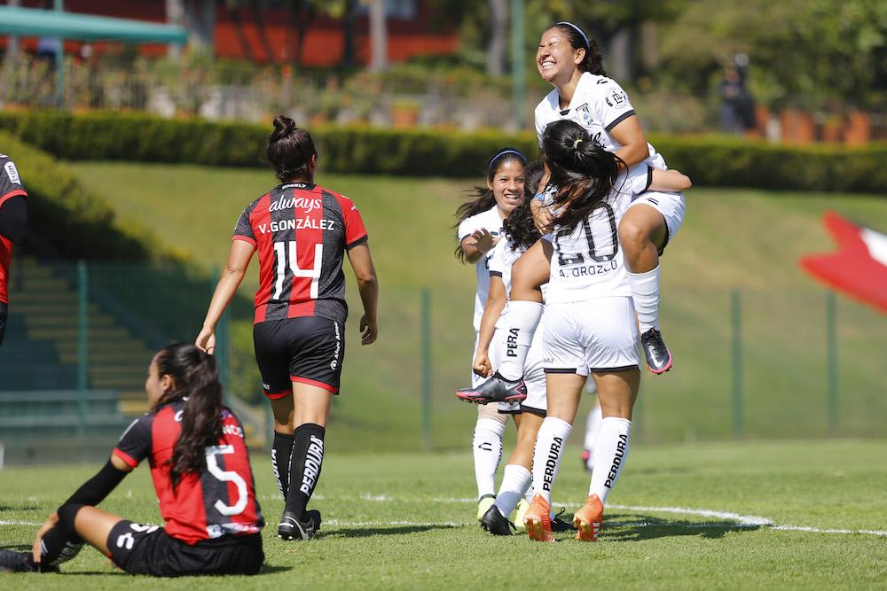 La femenil de Gallos Blancos pasa por primera vez a semifinales
