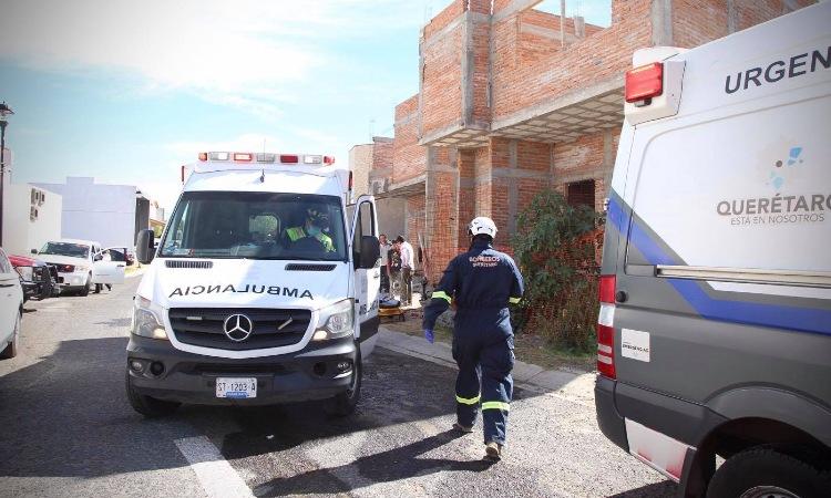 4 albañiles heridos al caerles una barda en fraccionamiento Misión Concá