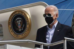 Ocho gobernadores instan a Biden a presionar a empresas por la escasez de chips
