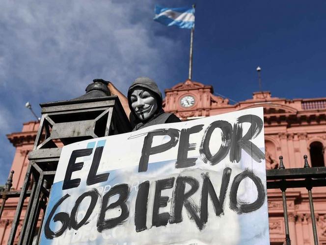 Argentinos protestan tras escándalo de vacunas covid