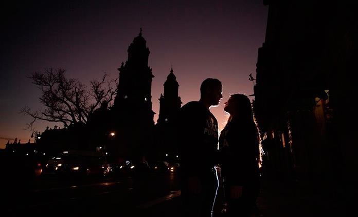 Una de cada ocho parejas se conoció por internet en México, dice encuesta
