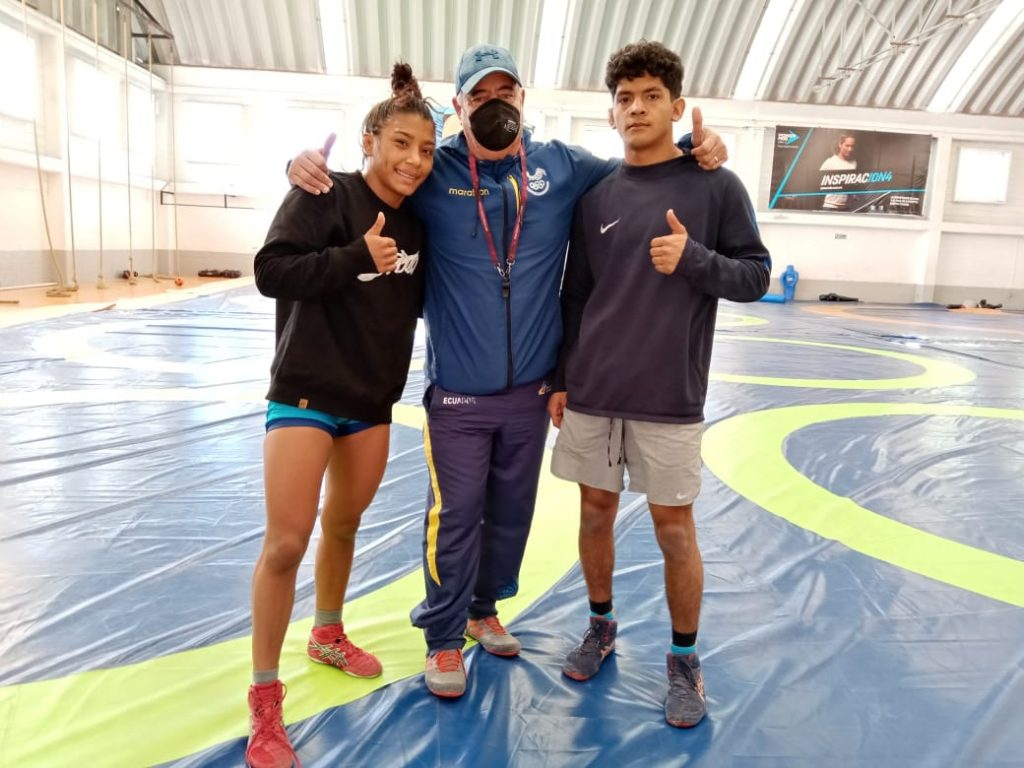 Concluyen luchadores ecuatorianos campamento en Querétaro