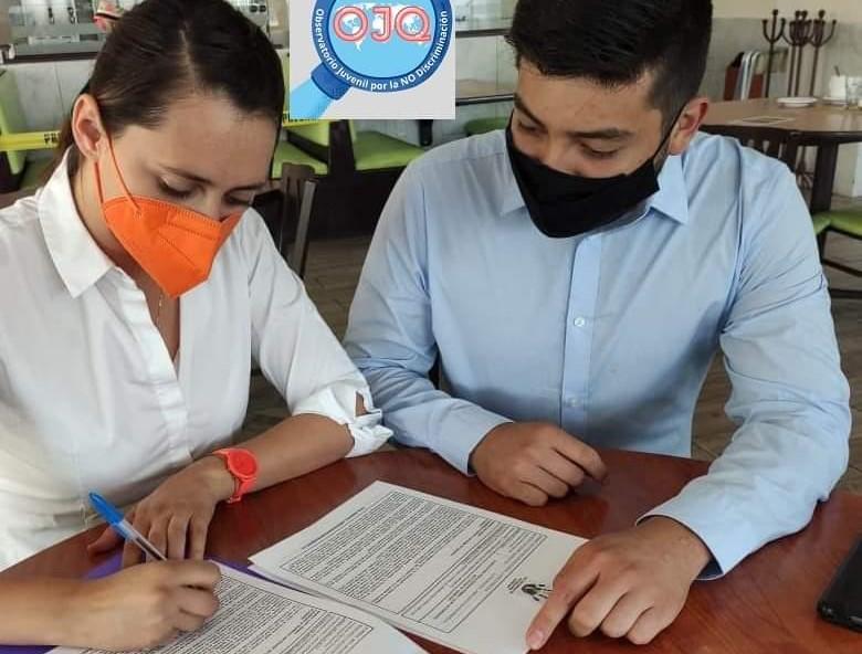 """Entregan """"Agenda Juvenil por la Dignidad Humana y la No Discriminación en el Estado de Querétaro"""" a Bety León"""