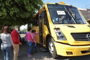 Continua municipio brindando servicio de trasporte gratuito para adultos mayores durante la jornada nacional de vacunación