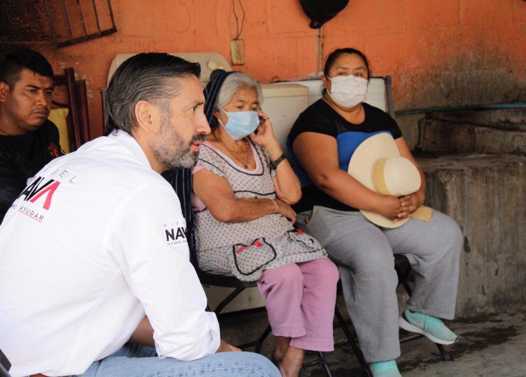 Recorre Miguel Nava comunidades de Colón