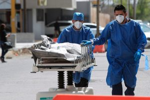 México pudo evitar 190 mil muertes en 2020, revela estudio encargado por OMS