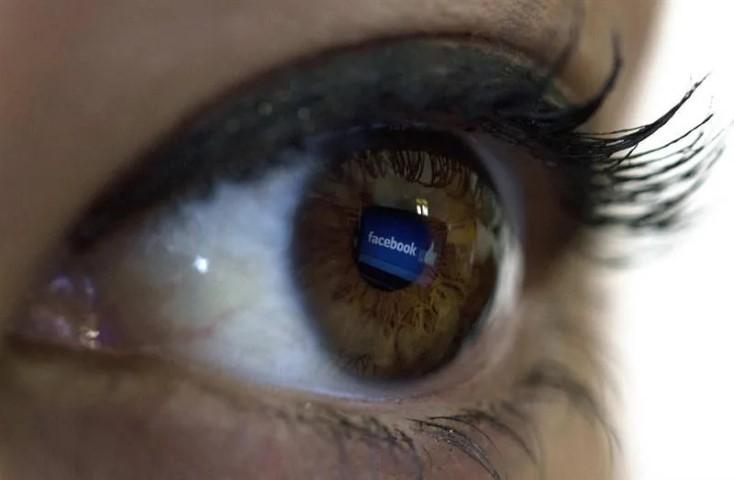 Facebook elimina las redes políticas que usan identidades falsas en México y Perú