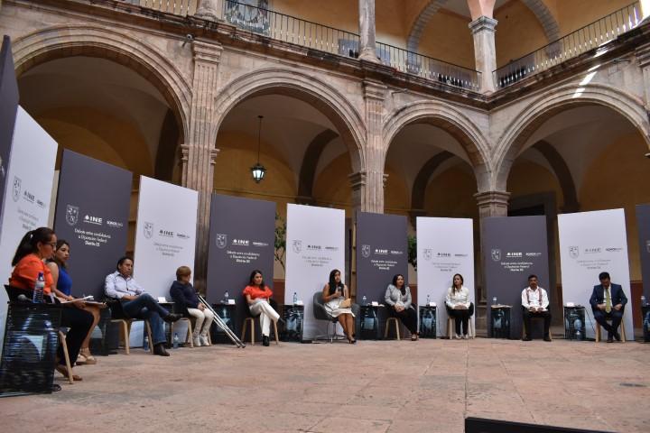 Aspirantes a diputadas y diputados federales del Distrito 5 debaten en la UAQ